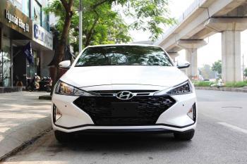 """Hyundai Elantra Sport 2019: mất hoàn toàn """"chất"""" Hàn"""